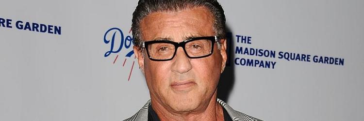 Sylvester Stallone oczyszczony.