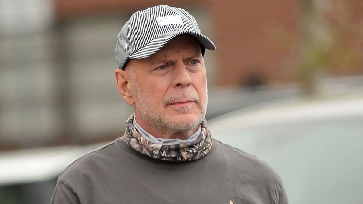 Bruce Willis - Wyjście z apteki